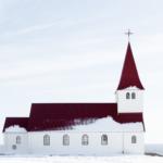Ring hytta varm for Kirker
